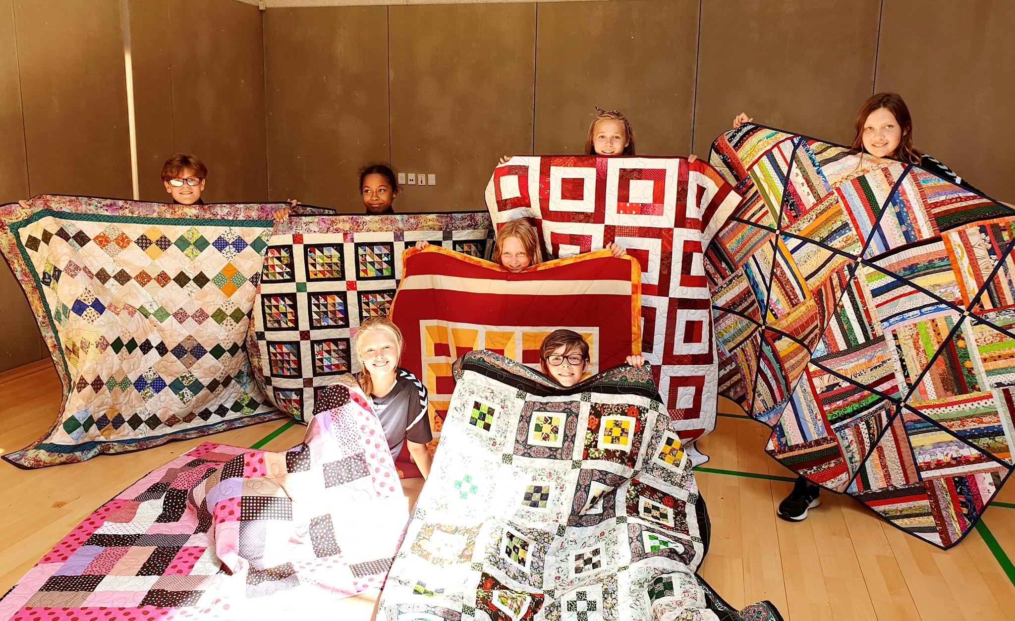 050619 kildemose børn og tæpper